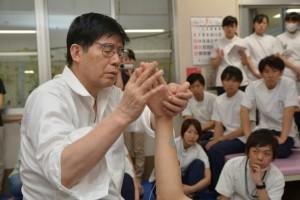 【救急は命を救うが、リハビリは人生を救う】と、川平先生。しびれますっ!