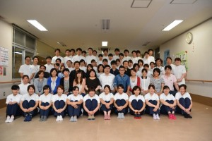 川平先生を囲んで参加者の皆さんとパチリ♪